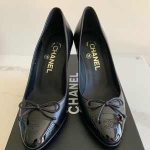 chanel classic pump in lamb skin